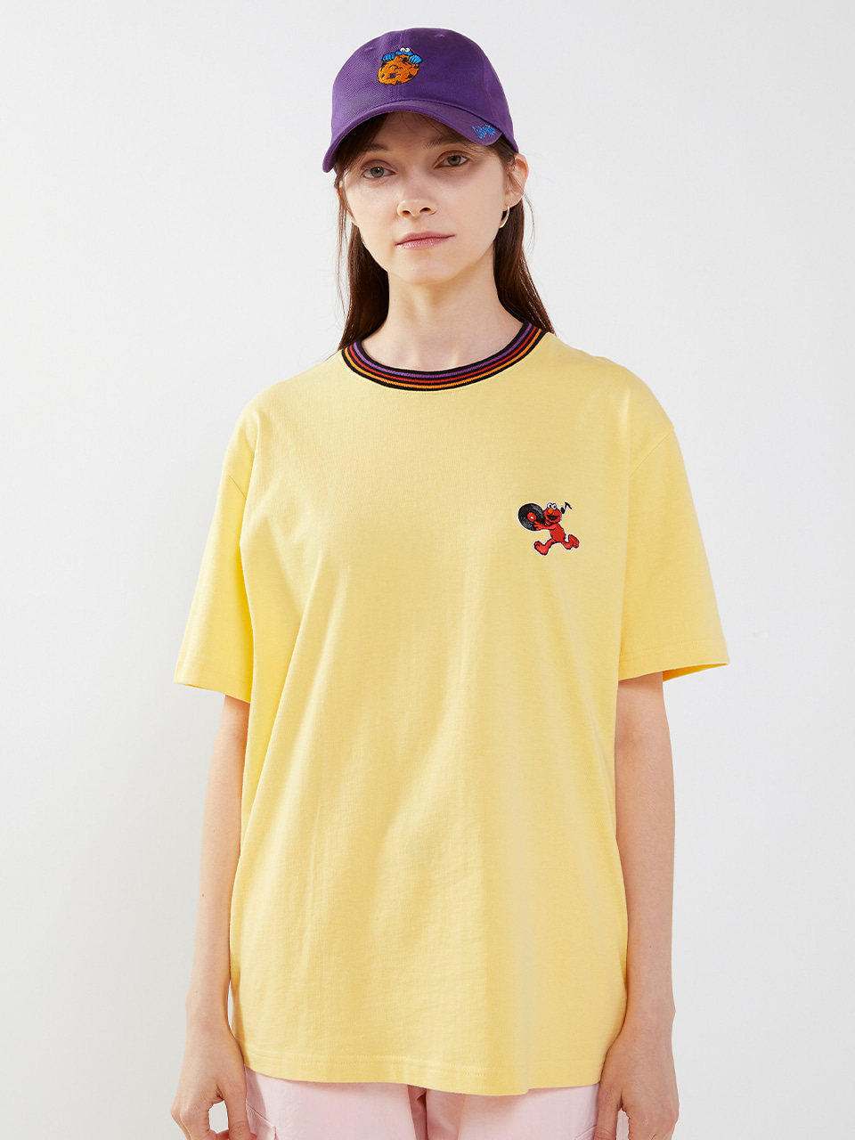 [SM20 SV X Sesame Street] Neck Point T-Shirts(Yellow) 스테레오 바이널즈[SM20 SV X Sesame Street] Neck Point T-Shirts(Yellow)