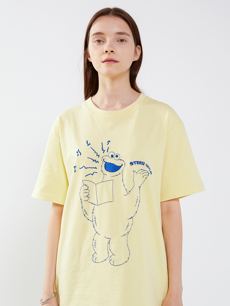 [SM20 SV X Sesame Street] Embroidered T-Shirts(Yellow) 스테레오 바이널즈[SM20 SV X Sesame Street] Embroidered T-Shirts(Yellow)
