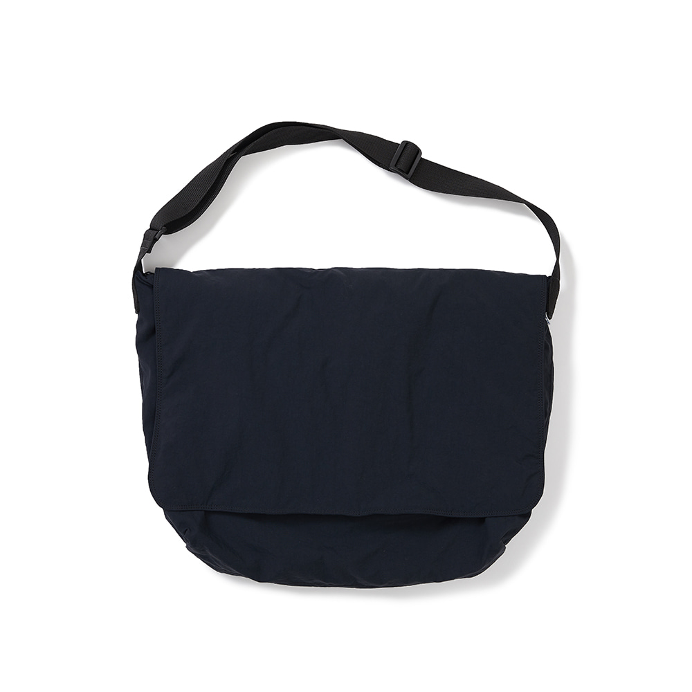 [FW20 Sounds Life] Flow Messenger Bag(Navy) 스테레오 바이널즈[FW20 Sounds Life] Flow Messenger Bag(Navy)